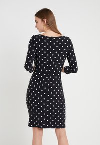 Lauren Ralph Lauren - DRIVER DOT TRAVA - Robe en jersey - black/colonial - 2