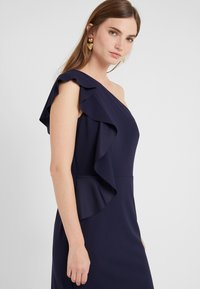 Lauren Ralph Lauren - LUXE TECH LARIS - Robe fourreau - lighthouse navy - 4