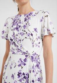 Lauren Ralph Lauren - VEMALYN - Sukienka z dżerseju - cream/purple - 4