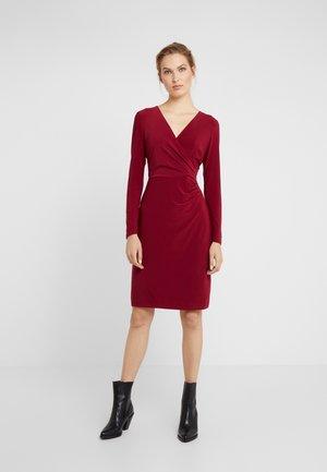 MID WEIGHT DRESS - Vestido ligero - dark raspberry
