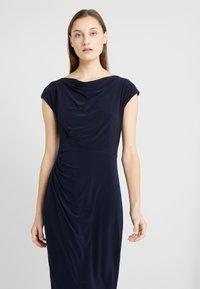 Lauren Ralph Lauren - MID WEIGHT DRESS - Etuikleid - lighthouse navy - 4