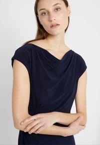 Lauren Ralph Lauren - MID WEIGHT DRESS - Etuikleid - lighthouse navy - 7