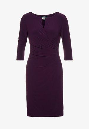 MID WEIGHT DRESS - Fodralklänning - raisin