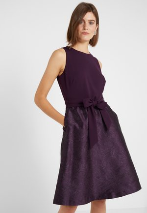 FLORAL  - Cocktailkleid/festliches Kleid - raisin