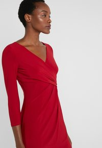 Lauren Ralph Lauren - MID WEIGHT DRESS - Pouzdrové šaty - scarlet red - 3