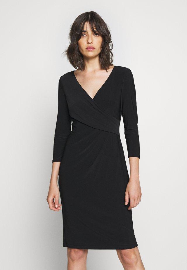 MID WEIGHT DRESS - Pouzdrové šaty - black