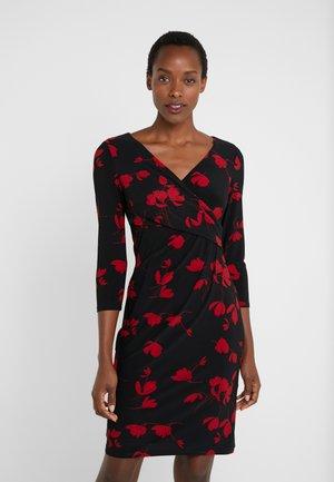 PRINTED MATTE DRESS - Tubino - black/scarlet red