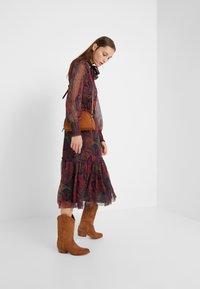 Lauren Ralph Lauren - CRINKLE DRESS - Vestido informal - navy/multi - 1