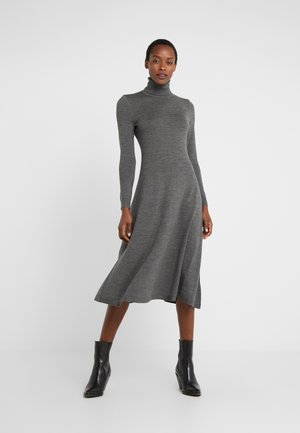 Robe pull - lexington grey