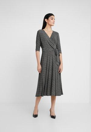 PRINTED MATTE DRESS - Jersey dress - sparkling champag