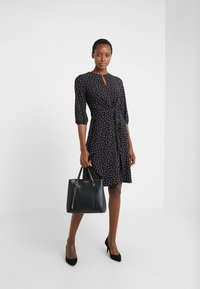 Lauren Ralph Lauren - PRINTED MATTE  - Jerseyklänning - black/parlor red - 1