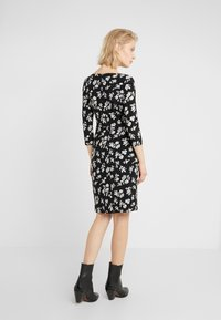 Lauren Ralph Lauren - PRINTED MATTE DRESS - Shift dress - black/offwhite - 2