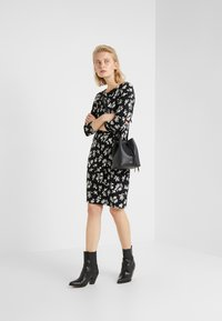 Lauren Ralph Lauren - PRINTED MATTE DRESS - Shift dress - black/offwhite - 1