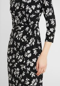 Lauren Ralph Lauren - PRINTED MATTE DRESS - Shift dress - black/offwhite - 5