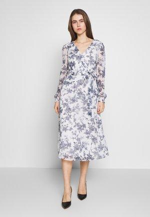 GEORGETTE DRESS - Vapaa-ajan mekko - colonial cream/blue
