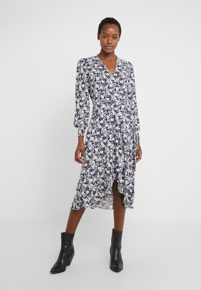 MATTE DRESS - Jerseyklänning - navy/pale