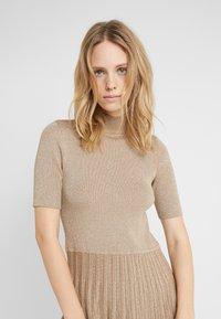 Lauren Ralph Lauren - DRESS - Pletené šaty - gold - 4