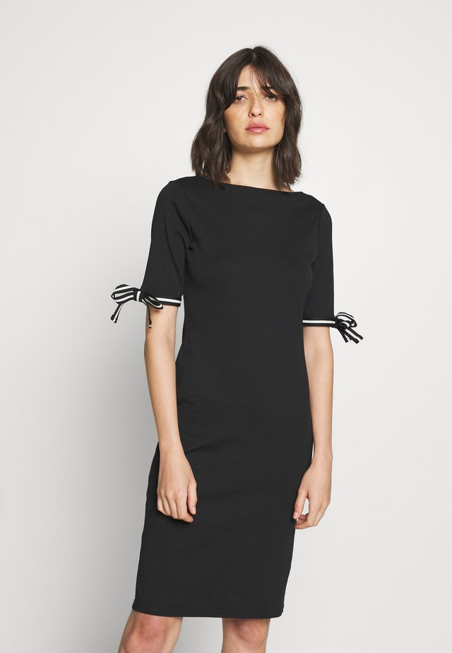 CLASSIC - Jumper dress - black