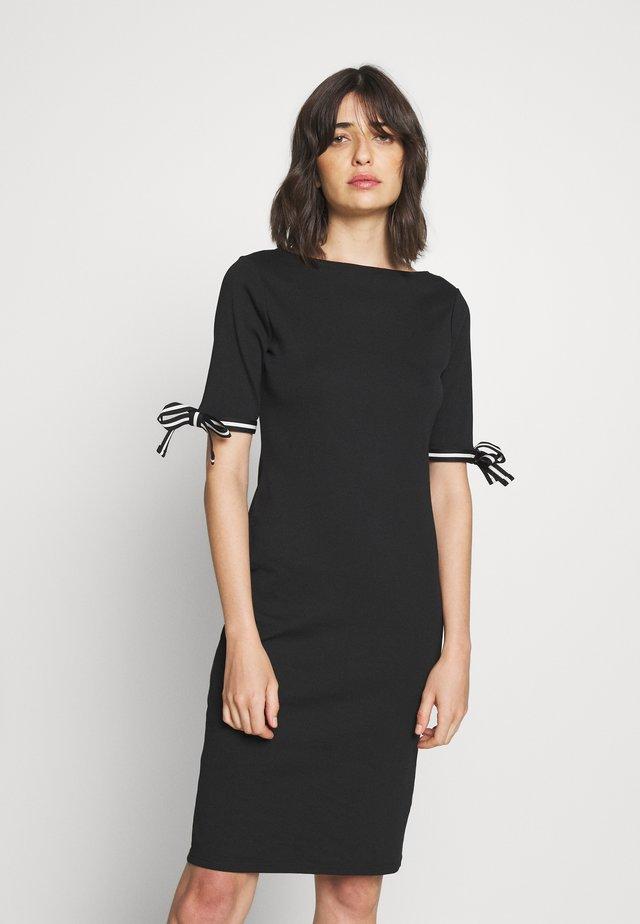 CLASSIC - Gebreide jurk - black