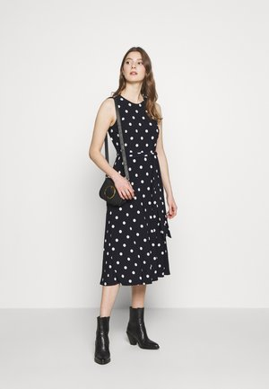 PRINTED MATTE DRESS - Žerzejové šaty - navy