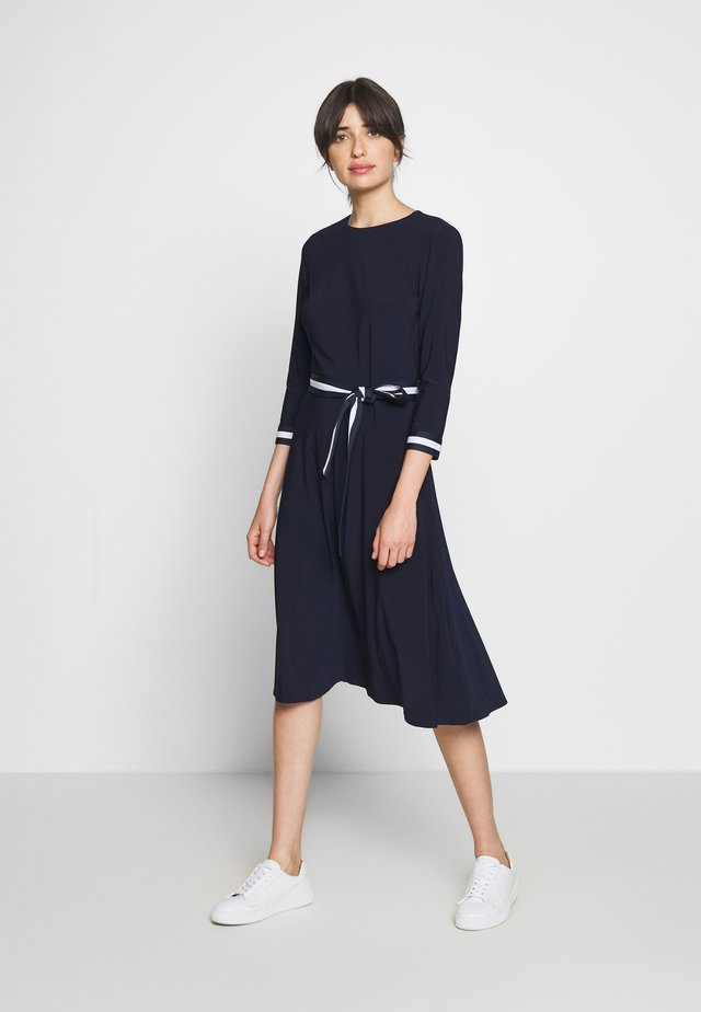 MID WEIGHT TONE DRESS - Sukienka letnia - lighthouse navy