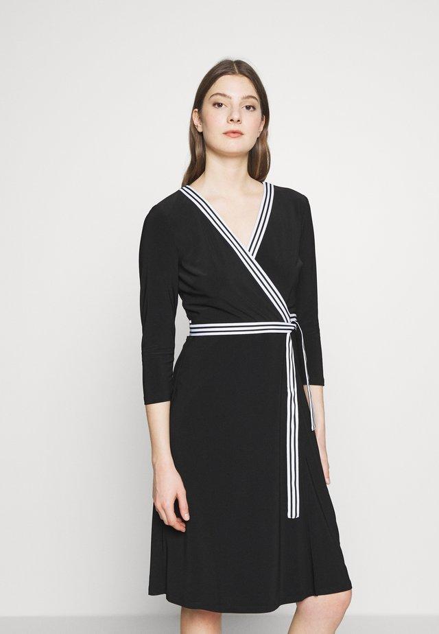 MID WEIGHT DRESS - Žerzejové šaty - black