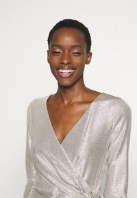 Lauren Ralph Lauren - DRESS - Vestito elegante - champagne/silver - 3