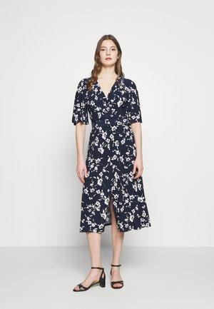PRINTED MATTE DRESS BELT - Robe d'été - navy/cream