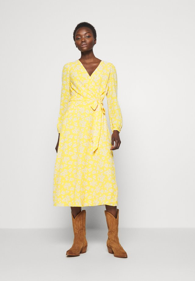 PRINTED DRESS - Day dress - true marigold