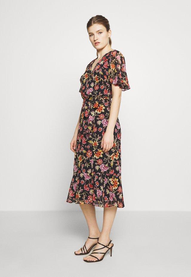 PRINTED GEORGETTE DRESS - Korte jurk - black/pink/multi