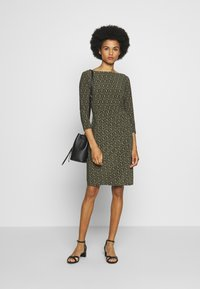 Lauren Ralph Lauren - PRINTED MATTE DRESS - Shift dress - oliva/gold/multi - 1