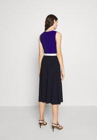 Lauren Ralph Lauren - 3 TONE DRESS - Jerseyjurk - navy/white - 2
