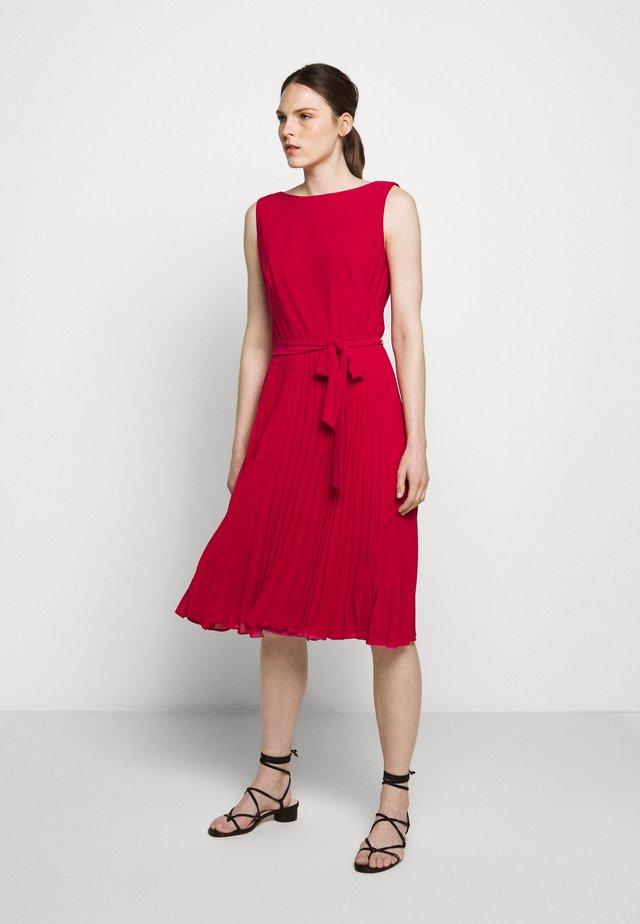 MID WEIGHT DRESS  COMBO - Vestido informal - berry sorbet
