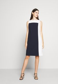 Lauren Ralph Lauren - LUXE TECH TONE DRESS - Cocktailjurk - navy/cream - 1