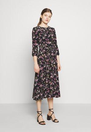 PRINTED MATTE DRESS - Denní šaty - black/pink/multi