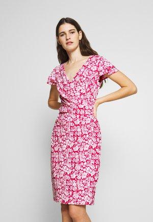 MATTE DRESS - Jerseykjole - berry sorbet
