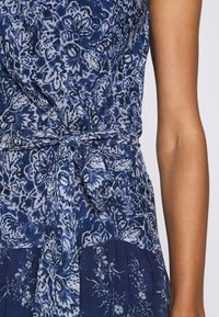 Lauren Ralph Lauren - CRINKLE DRESS - Day dress - blue/multi - 7