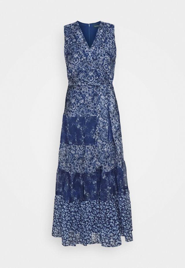 CRINKLE DRESS - Freizeitkleid - blue/multi