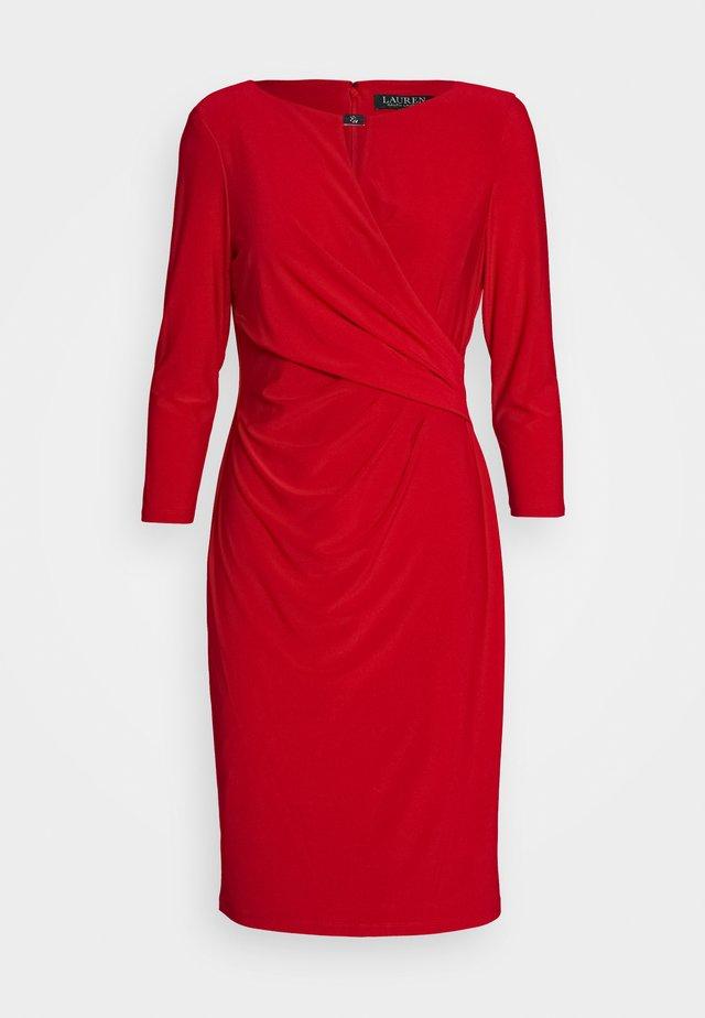 MID WEIGHT DRESS TRIM - Etui-jurk - orient red