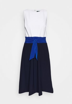 BONDED 3 TONE DRESS - Jersey dress - navy/summer