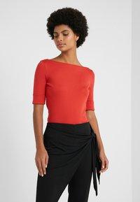 Lauren Ralph Lauren - JUDY ELBOW SLEEVE - T-shirts - canyon red - 0