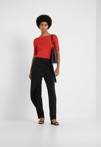 Lauren Ralph Lauren - JUDY ELBOW SLEEVE - T-shirts - canyon red - 1