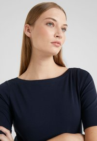Lauren Ralph Lauren - JUDY ELBOW SLEEVE - T-shirt basic - navy - 5