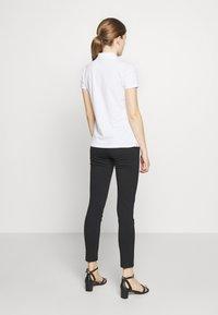 Lauren Ralph Lauren - KIEWICK - Poloskjorter - white - 2