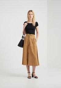 Lauren Ralph Lauren - T-shirts - black - 1