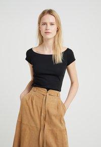 Lauren Ralph Lauren - T-shirts - black - 0