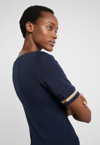 Lauren Ralph Lauren - T-shirts med print - dark blue - 4