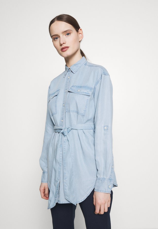 SOFT SHIRT - Button-down blouse - pale blue wash