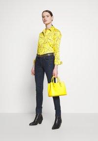 Lauren Ralph Lauren - SATEEN SHIRT - Košile - dandelion fields - 1