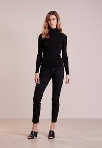 Lauren Ralph Lauren - TURTLE NECK - Strickpullover - polo black - 1
